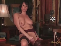 Mama in ideal nylons masturbates solo