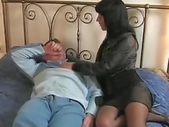 Brunette hair Italian wife goes to her paramour