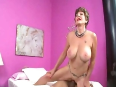 Aged slut in underware loves a hot creampie